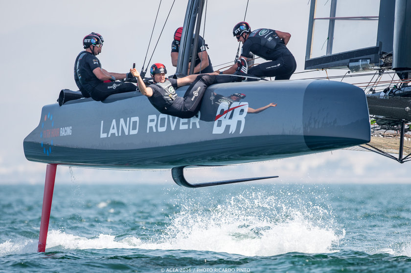 28/02/16 - Muscat (OMN) - 35th America's Cup Bermuda 2017 - Louis Vuitton America's Cup World Series Oman - Racing Day 2 - Racing Day 2