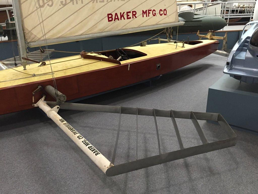 Gordon Baker's Monitor hydrofoil monohull sailboat for US Navy