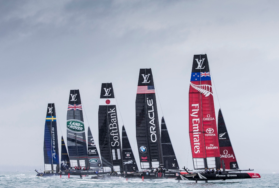 America's Cup Fleet Racing on Foils
